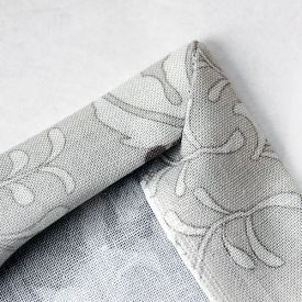 An easy tutorial on how to sew mitered corners for your napkins, tea towels, etc.