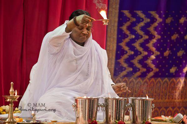 Mantra Japa: Amma on chanting the name of the Lord - Amma, Mata Amritanandamayi Devi