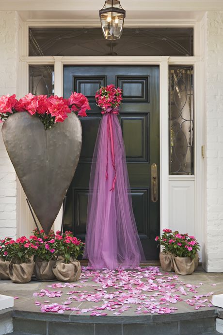 Cool idea!  Could do this with the colors the bride picks.