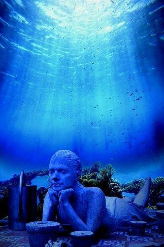 Museu subaquático de Cancun, Mexico.