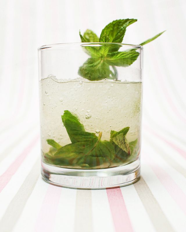 Friday Happy Hour: Cucumber-Mint French Gimlet