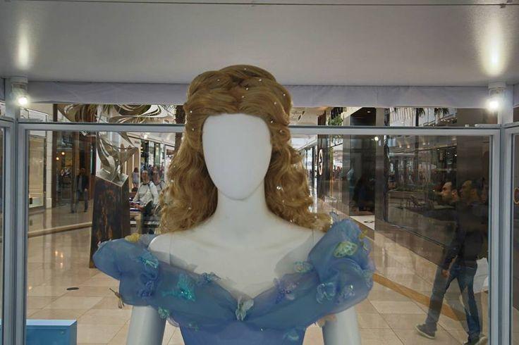 Dessins préparatoires des costumes des personnages du film Cendrillon (Disney).