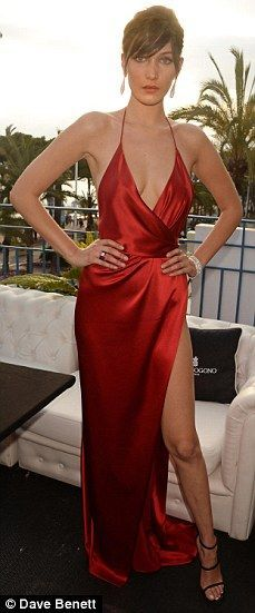 2017 Hot! Sexy! Celebrity Dress Red Carpet Evening Dress A-line Deep V-neck High Split Backless Prom Dress Evening Gowns