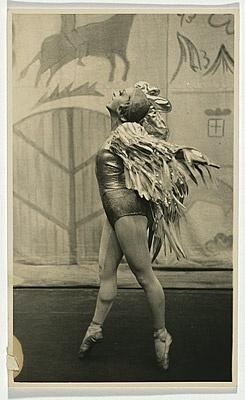 Riabouchinska as the Golden Cockerel in Le Coq d'Or 1938. #Ballet_beautie #sur_les_pointes  *Ballet_beautie, sur les pointes !*