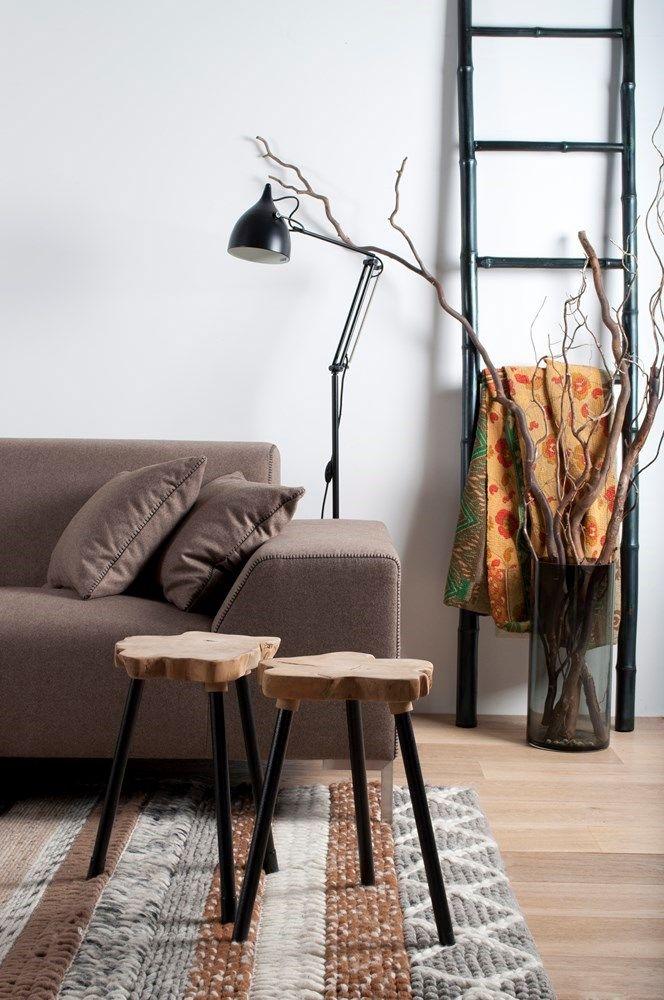 Zuiver bijzettafel Treetop - bruintinten - interieur - woonkamer - takken - zitbank - shades of brown- branches - lamp - sofa - living - interior