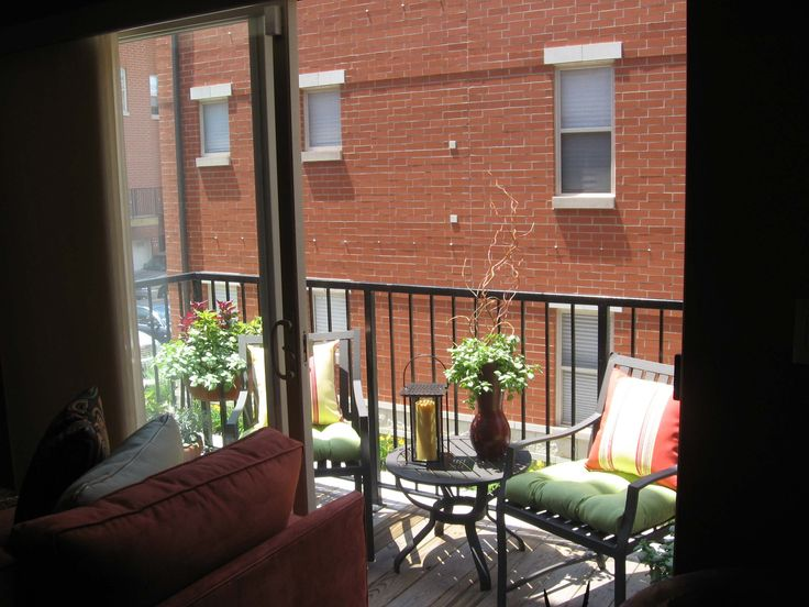 1000 ideas about apartment balcony decorating on for Apartment balcony christmas decoration ideas