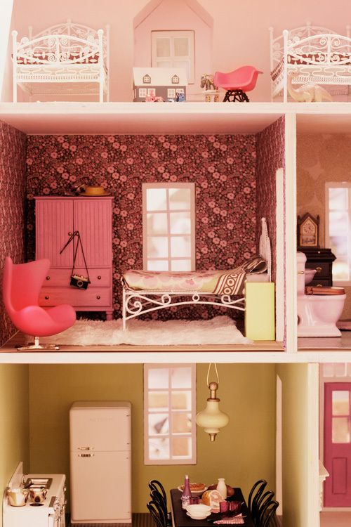 Five ways to wallpaper a dollhouse furniture too cute for Make my house