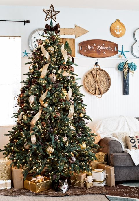 Rustic Luxe Christmas Tree - a little rustic and a little glam / Gold, bronze, white Christmas tree