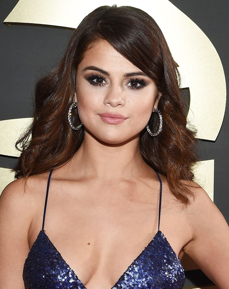 These Flawless Beauty Looks Were the Best Thing About the Grammys via @ByrdieBeautyAU