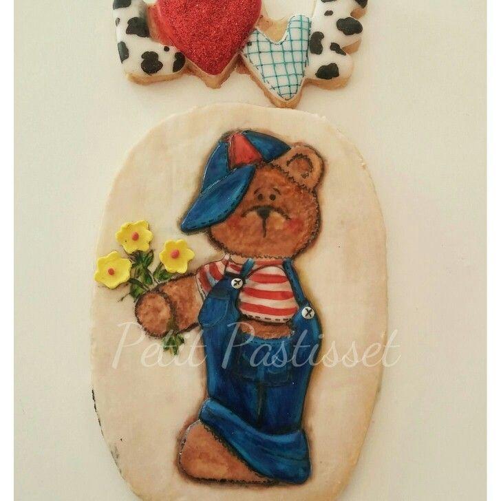 Bear in love cookie
