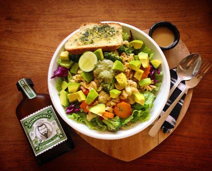 Avocado Pasta salad, homemade pesto - gluten free garlic crust with Kombucha - Avocado Cafe Bali