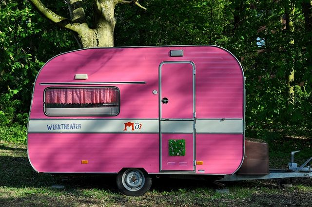 I love camping even more now!: Vintage Trailers, Pink Campers, Pink Vintage, Campers Trailers, Pink Caravan, Pink Trailers, Happy Campers, Vintage Campers, Summer Camps