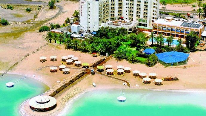 Lot Spa Hotel to idealne miejsce na kuracje na łuszczycę nad Morzem Martwym. W hotelu znajduje się Niemieckie Centrum Medyczne róznorodne kuracje klimatyczne (łuszczyca, AZS, reumatyzm, astma). Hotel nad samym morzem, w miejscowości Ein Bokek w Izraelu.