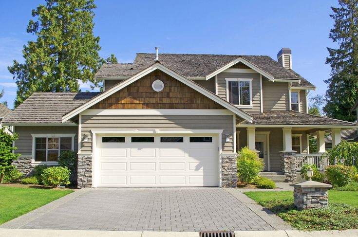 Is a garage a good investment? Find out on the blog!