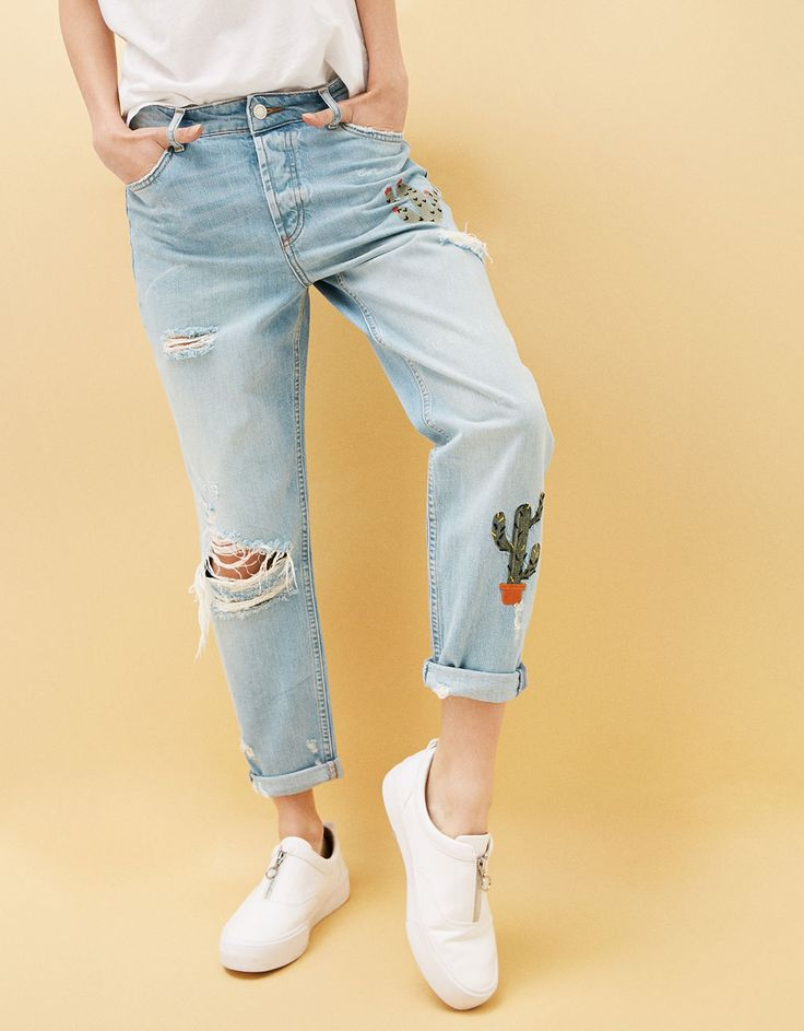 Relaxed fit jeans with cactus embroidery - Jeans - Bershka Ukraine