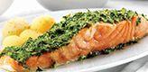 Deze ovengebakken zalm  krijgt een heerlijke smaak door de zelfgemaakte tapenade van dille, Dankzij dit kruidige zalmgerecht krijg je je wekelijkse portie vette vis binnen … Smakelijk!