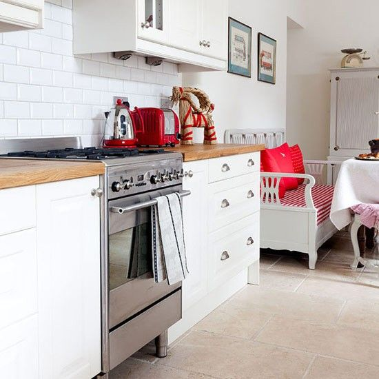 Red and White Country Kitchen | Kitchen---range-cooker---country-style---red-and-white---Ideal-Home ...