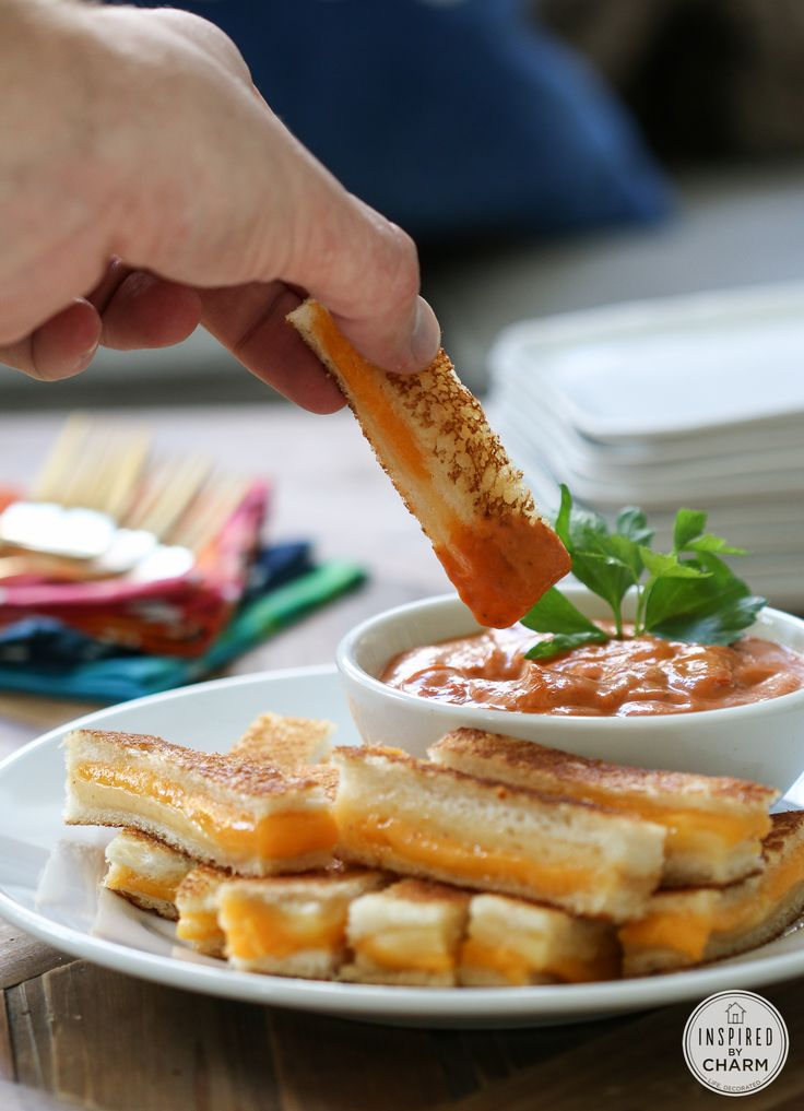 Mini Grilled Cheese Sandwiches - great party snack!
