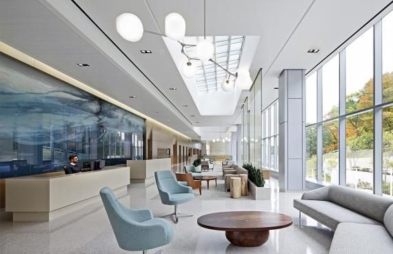 The Memorial Sloan Kettering Ambulatory Cancer Center, designed by EwingCole, pulled design influences from hospitality, home, and spa settings. Photo: courtesy of IIDA