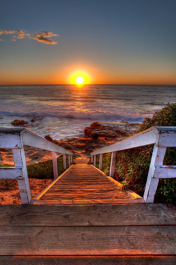 ✮ Wooden Steps going down to the Beach and the Sunset