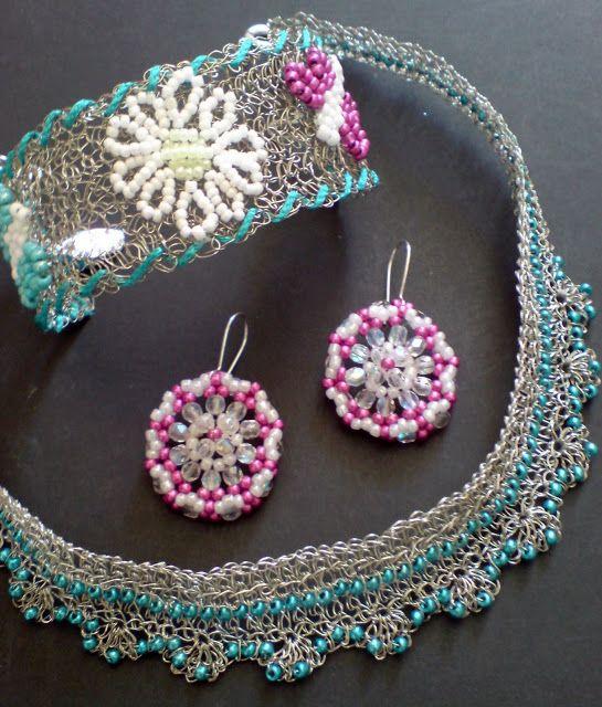 Lovely Wire crochet set