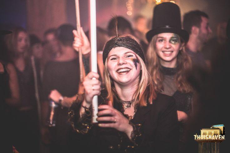 vitamine blij, creative, festival, concepts, craft, DIY, glitter, dress up, costume, rage stick, festival stick, festival totem, trip, space, show, entertainment, party concept