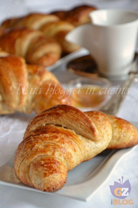 Croissants integrali sfogliati
