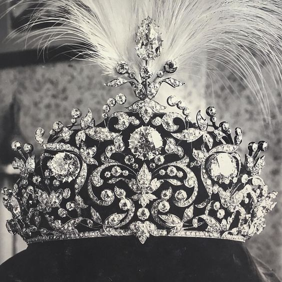 A fabulous tiara coming up for sale via Christie's on 30 November 2016, from the Nawab of Rampur