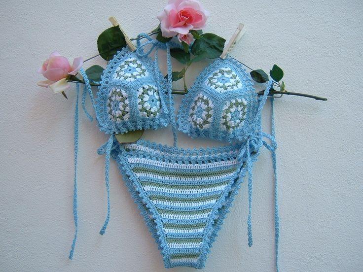 Bikini all'uncinetto in cotone azzurro, bianco e verde-Due pezzi a triangolo-Slip crochet a righe-Reggiseno lavorazione granny-Costume fatto a mano : Altre mode di i-pizzi-di-anto