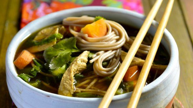 Kuřecí polévka se zimní zeleninou na asijský způsob Foto: