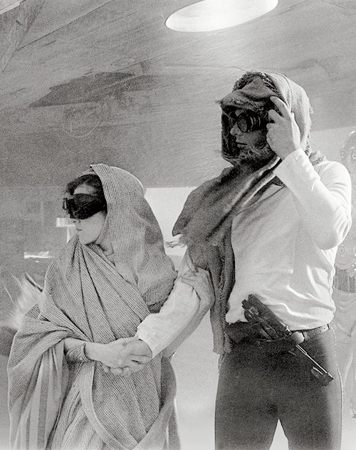 "leias: "" ""Han and Leia in a deleted sandstorm scene from ROTJ "" """