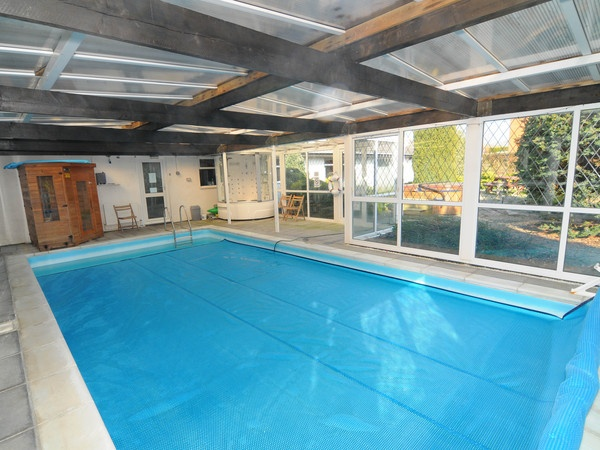 1000 images about uk holiday cottages on pinterest cottages sleep and log fires for Holiday cottages in wales with swimming pools