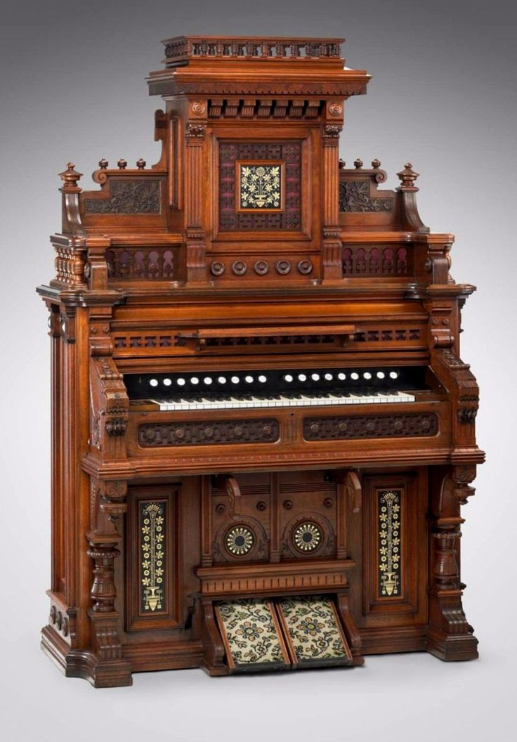 J. Estey pipe organ, c. 1878. Courtesy of the Museum of Fine Arts in Boston.