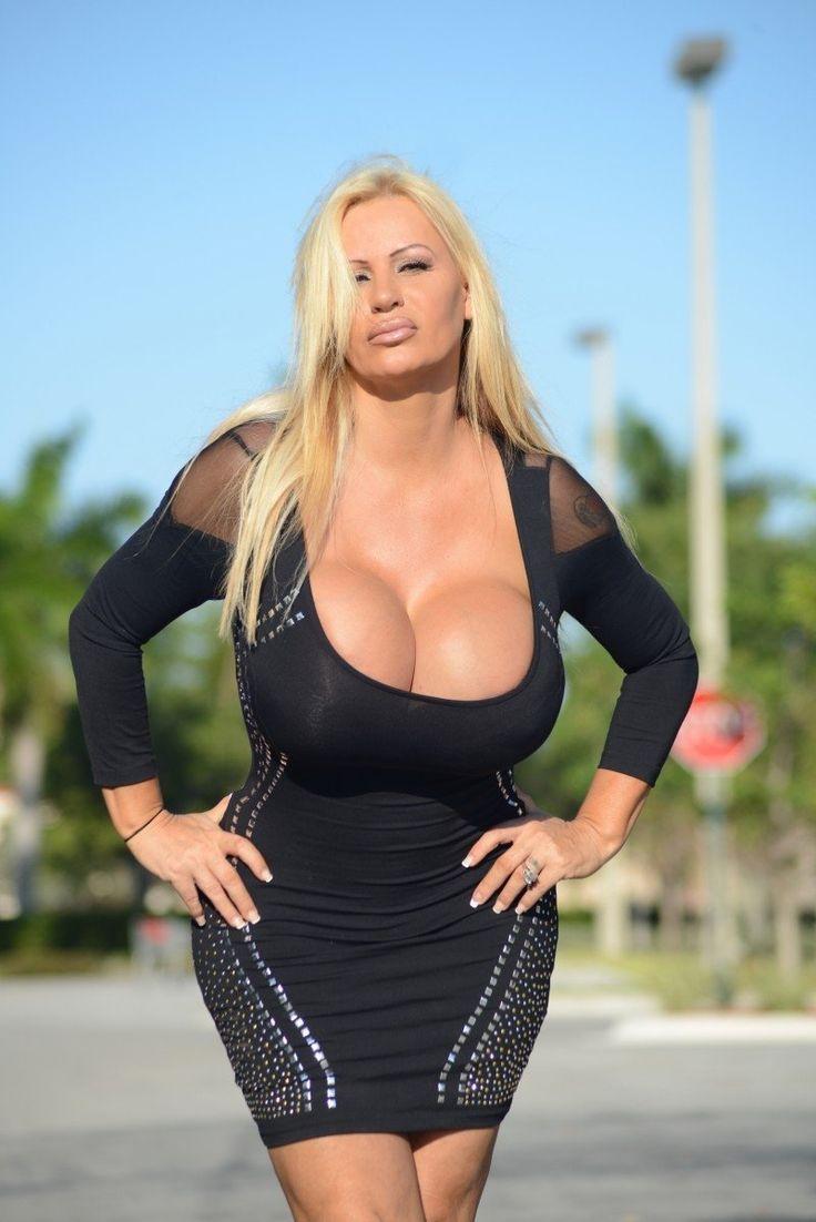 Hot Mom Big Boob