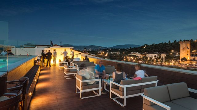 Rooftop bar Plaza Hotel Lucchesi in Florence