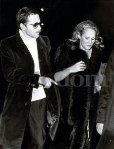 Ursula Andress and Franco Nero (230×300)