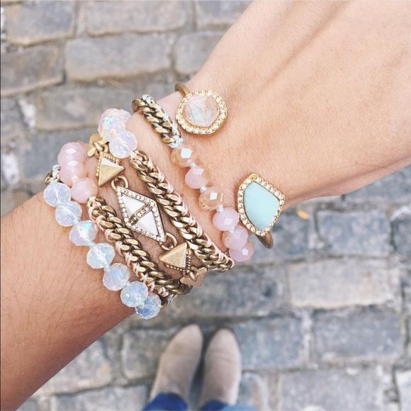 ❤️Come Shop my boutique!❤️ http://www.chloeandisabel.com/boutique/heckyesitssam shop online at my boutique and help me reach my goal of $1,000 in sales this month! Chloe + Isabel Jewelry Necklaces