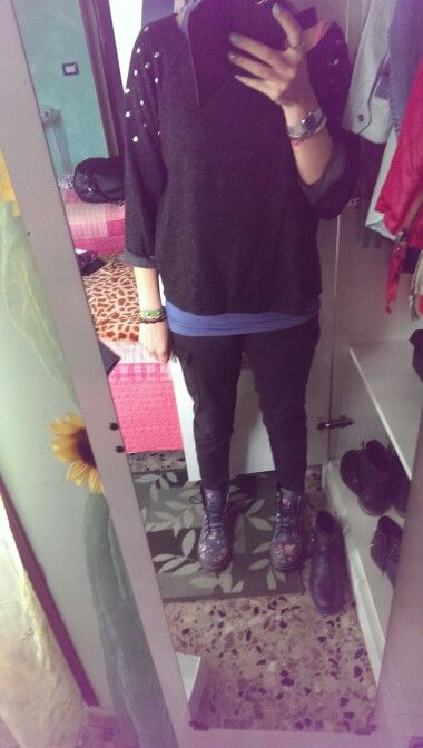 Black and  boots floreal