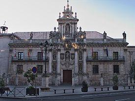Antigua fachada de la Universidad de Valladolid. Hoy Facultad de Derecho (sólo se conserva la fachada del antiguo edificio de la Universidad) Arquitecto: Fray Pedro de la Visitación Fechas: 1716-1718