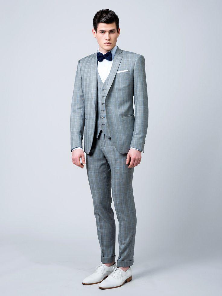 Costume sur mesure 3 pièces, en super 120's, motif prince de galles gris clair, 1 bouton , revers étroits, 2 poches droites, sans rabats 1095 €