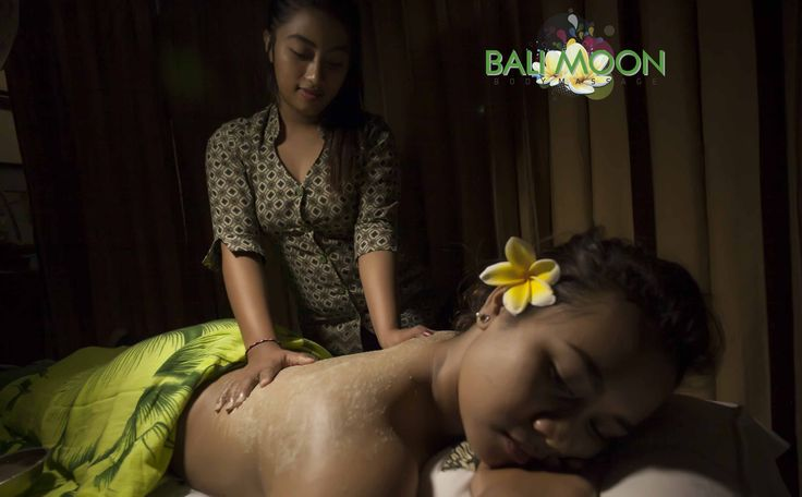Hello Bali Moon spa have Body scrub for you and we have any selection for aromatic scrub Massage. Such as the choice chocolate, avocado, green tea, strawberry, bengkoang and the other lest come to Bali Moons Spa for Body scrub