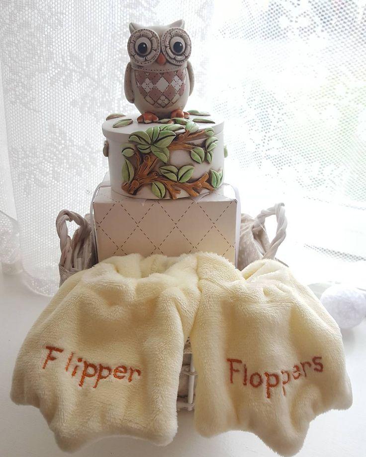 Vanskelig å finne gave til baby festen? Vi har forskjellige gavekurver ferdig innpakket i cellofan Du finner de hos www.dinbabyshower.no. #gave #gavekurv #ugle #smykkeskrin #flipperflopper #detlilleekstra #dinbabyshower #nettbutikk #babyshower #dåp #navnefest #fødsel #gravid #baby