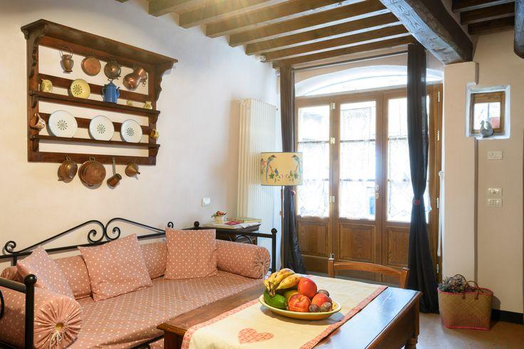 Casa Mia A Cortona è un piccolo gioiello incastonato nelle mura etrusche della spettacolare cittadina toscana.