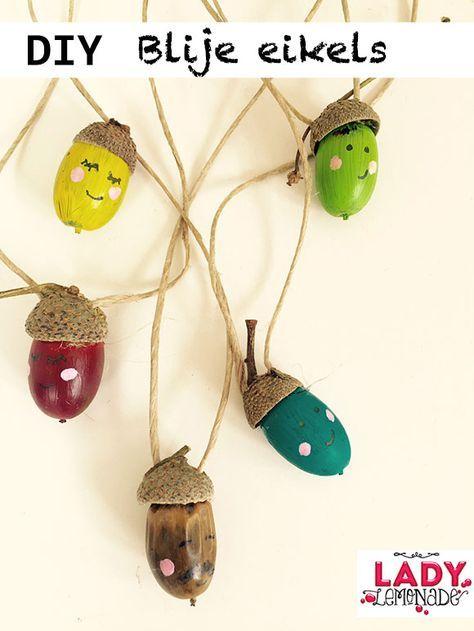 bos, eikels, kastanjes, herfst, knutselen, kinderen, peuters, kleuters, tips, ideeën, knutseltips, thema, bladeren, blaadjes, bomen, vallen, zoeken, beukenootjes, kunstwerk, maken, zelf, diy, kettingen, binnen, activiteit, herstvakantie, vakantie, spelle