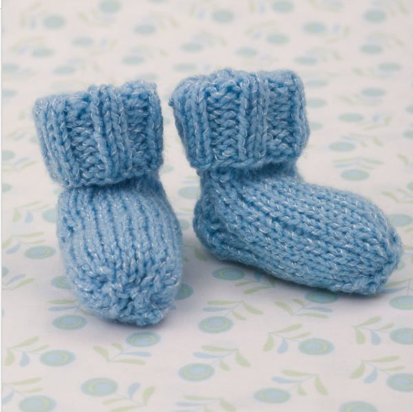 Easy Knitting Pattern For Babies : Shimmery simple knit baby booties free pattern babies