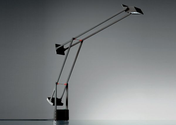 TIZIO CLASSIC LED Designed by Richard Sapper http://www.artemide.us/Products/Artemide_inc/tizio_led_table/Tizio_Table.pdf