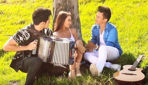 @yamidtoncel y Guille Gonzalez - Todo de mi - http://vallenateando.net/2015/10/18/yamid-toncel-y-guille-gozalez-todo-de-mi-video-oficial-hd/ … - video oficial @vallenateando