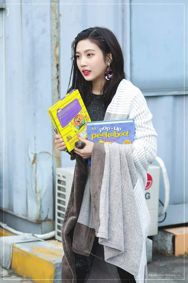 Joy-RedVelvet 171117 KBS Music Bank