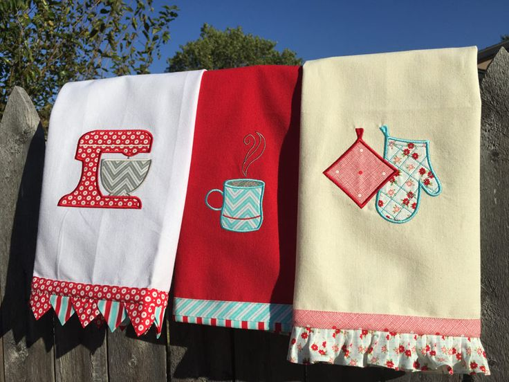 Download the project instructions to make these nifty kitchen towels: Retro Mod Kitchen Appliques