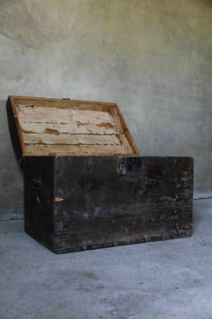 Oud Houten Kist - Inndoors Meubelen en Interieur
